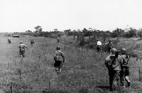 Robert Capa utolsó fotója Vietnámban.